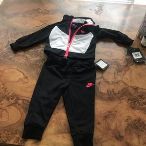 Other - Girl Nike Outfit 12 months